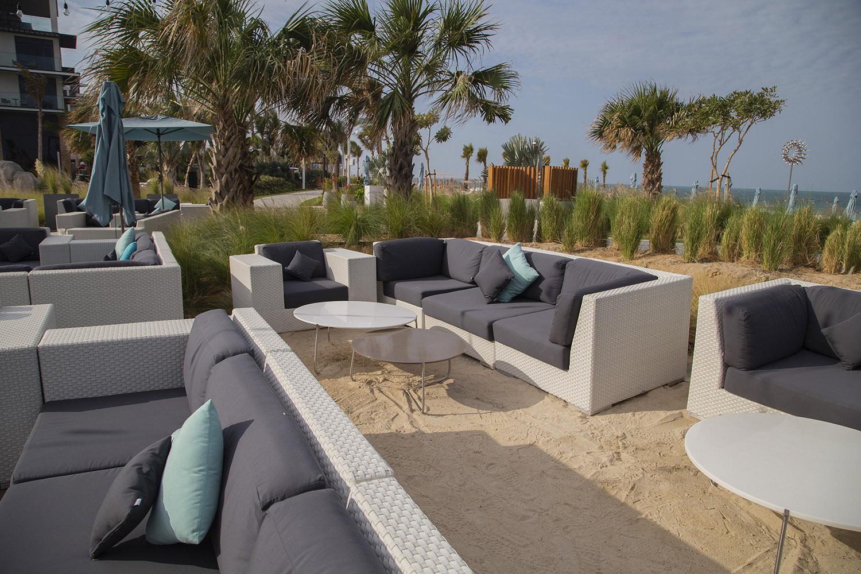 lounge-slide3
