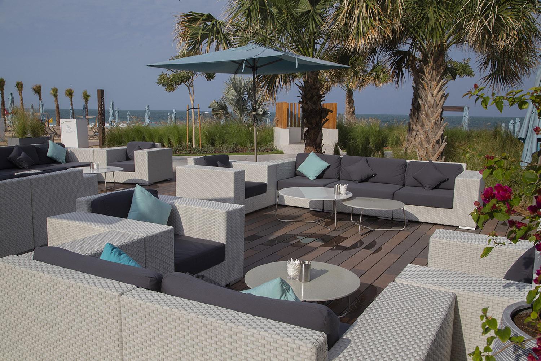 lounge-slide1